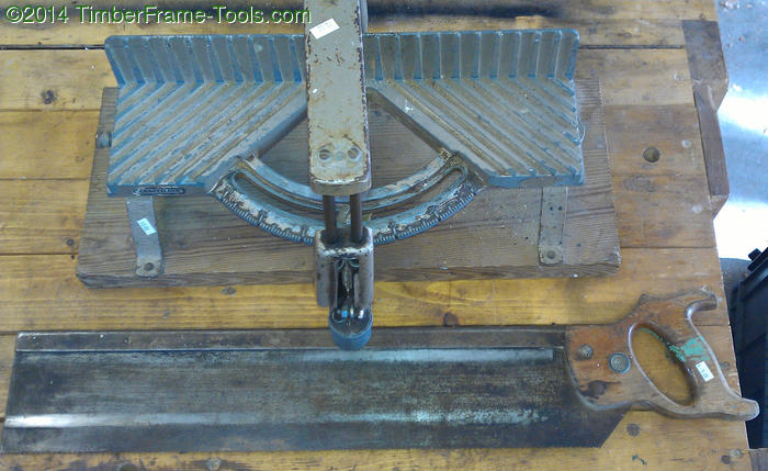03-craftsman-miterbox-and-saw