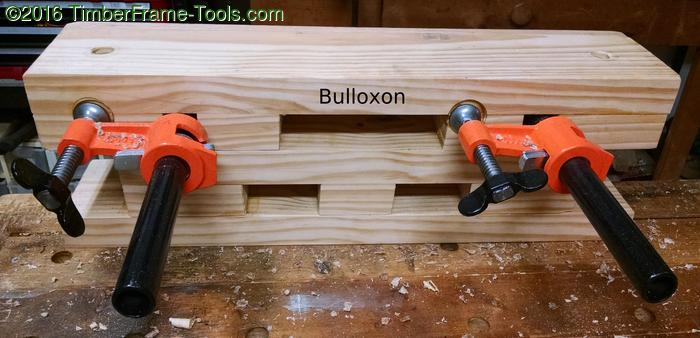 The back view of the Bulloxon vise