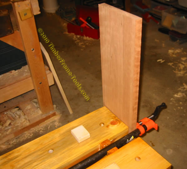 Saw bench end vice